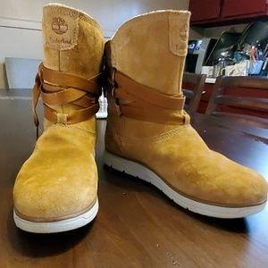 Like new Timberland boots